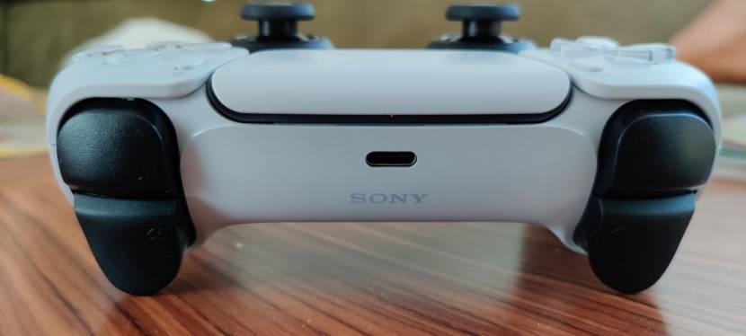 De PS5 controller heeft één klein detail dat sommigen enorm stoort