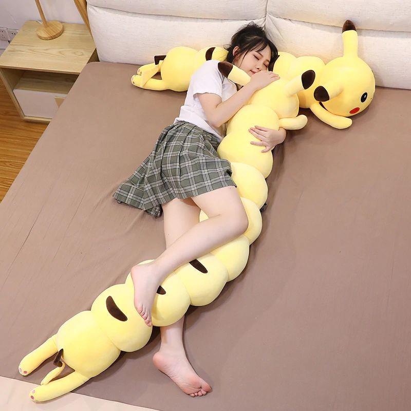 Nieuwe Pikachu knuffel wordt vergeleken met de Human Centipede