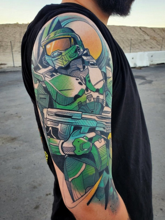 Halo fan toont indrukwekkende Master Chief tattoo